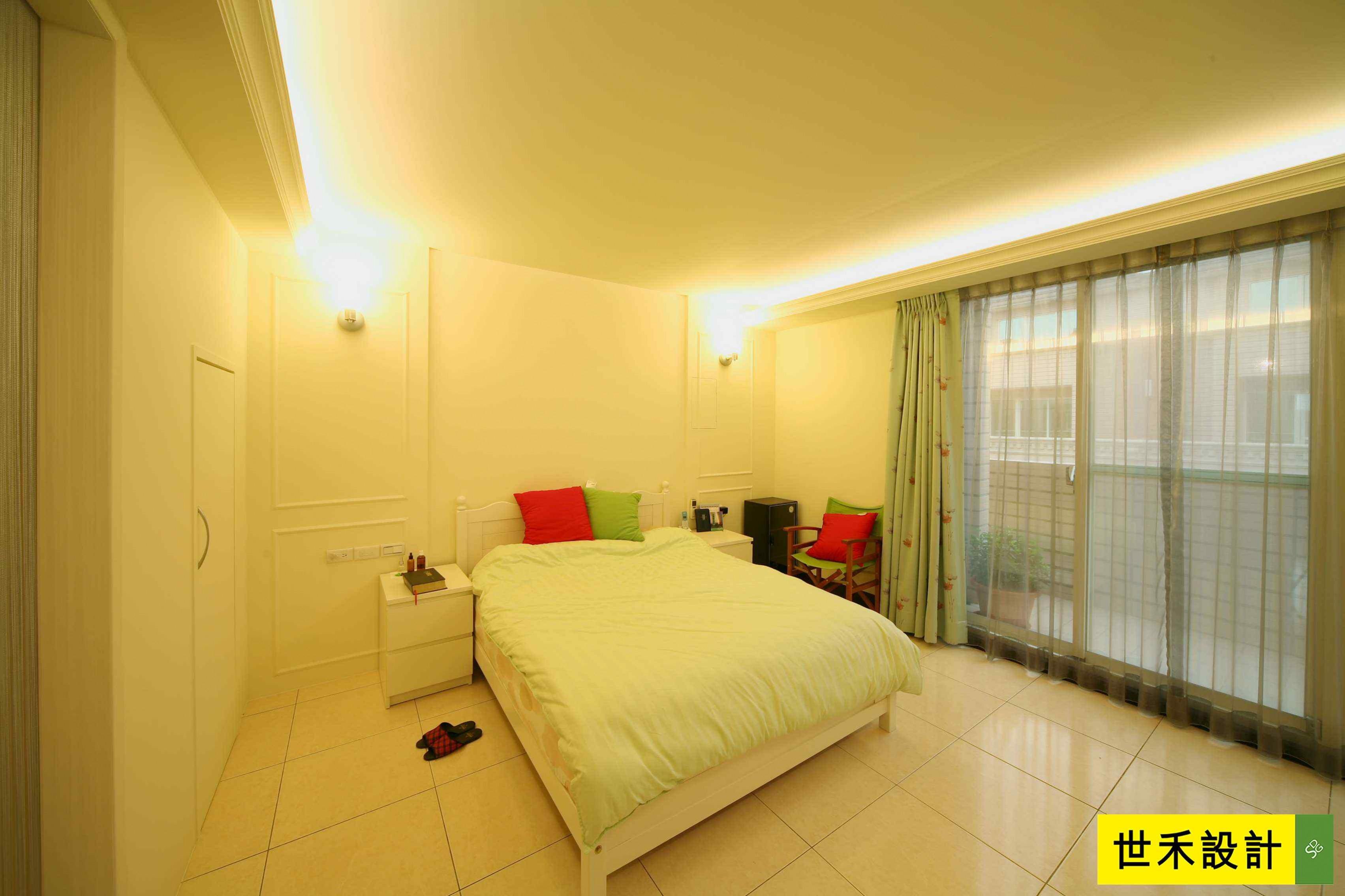 主卧室-带有美式风格的元素,床头以喷漆处理,搭配对称壁灯,营造舒适的